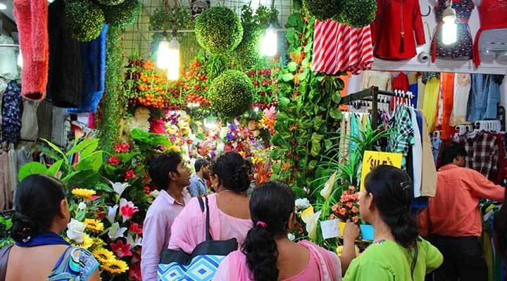 Sarojini market delhi