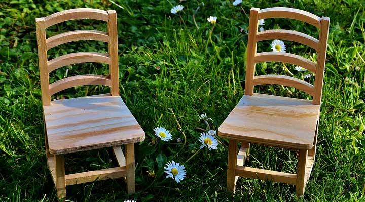 wodden chair for aunt best gift