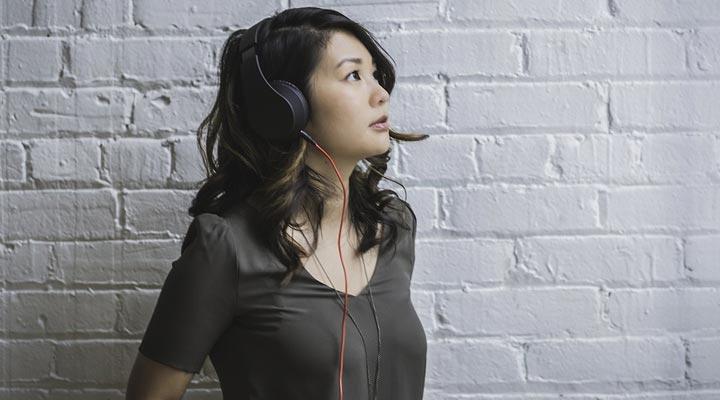 gift headphone for female friend