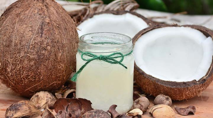 Prevent Hair Loss uisng coconut oil