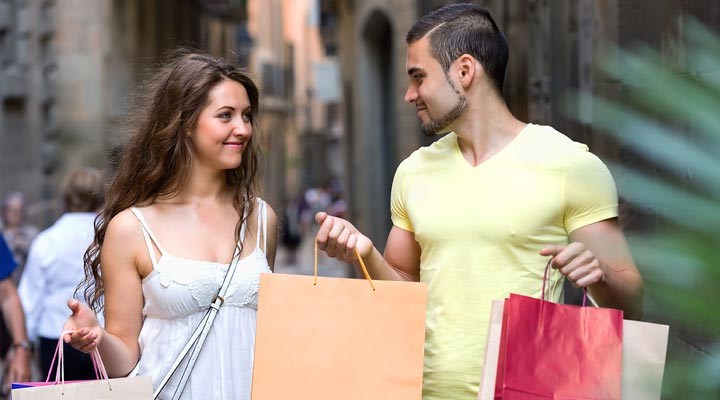 Do's and Don'ts while shopping with boyfriend