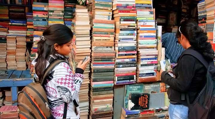 Nai Sarak book market